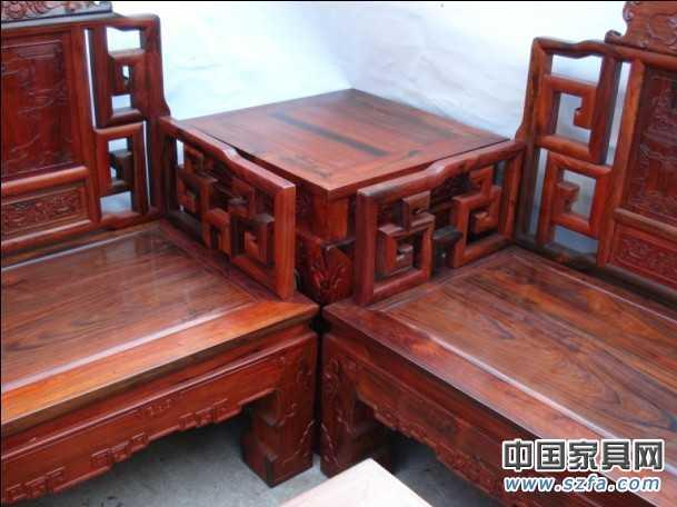 红酸枝鸡翅木红木沙发11件套,红木仿古家具