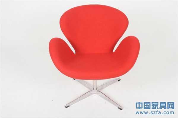 其设计师雅各布森是丹麦当代成就极大的家具设计大师