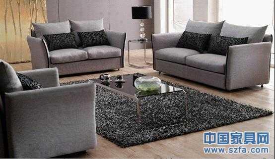 蝶依斓布艺沙发DYL182售价12980元人民币 蝶依斓 DYL182布艺沙发是一款设计别致的布艺沙发,一眼看过去便与众不同,但是颜色与材质的选择却并不张扬,非常有品质。桉木的框架坚硬耐用,是高品质沙发承重框架的首选材料。而海绵加羽绒的新型坐垫也满足了人体舒适度的需求。 这是一款造型别致的沙发,且不说其大方现代的色泽运用,其扶手与靠背的弯板设计就让人眼前一亮,如果你想追求与众不同,这款的设计肯定会打动你。