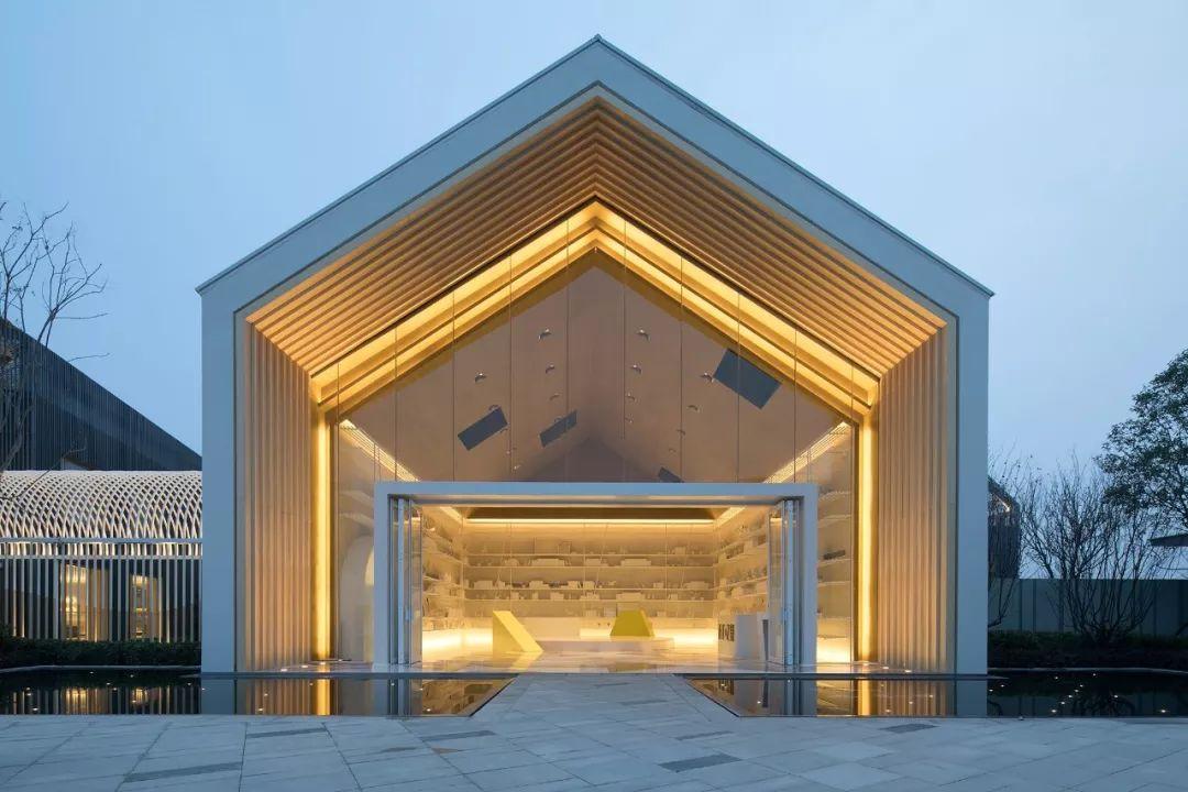 则灵艺术新作 | 上海龙湖天琅高定工作室:艺术即媒介