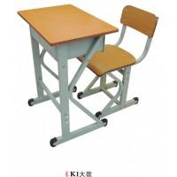 K1型实木多层板课桌椅牢固美观